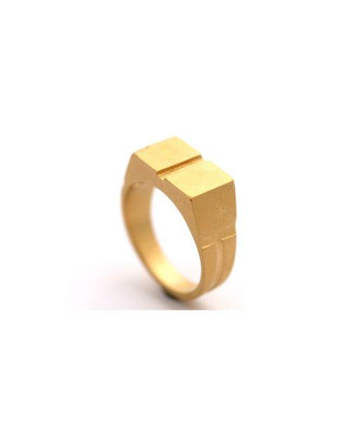10-Signet Ring 4