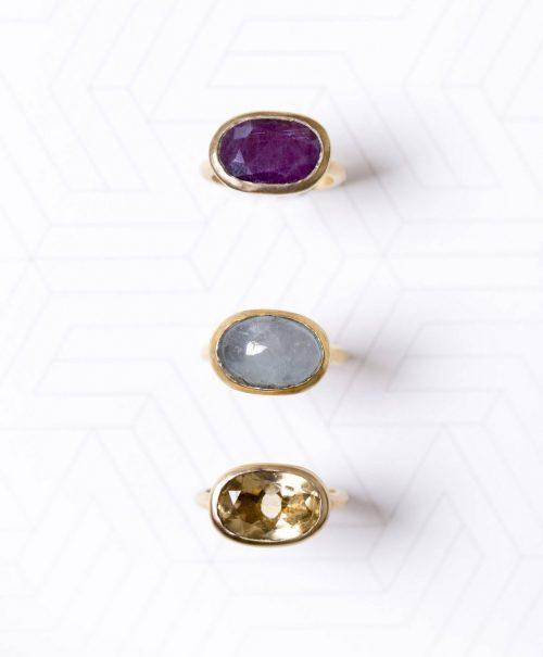 טבעת אליפסה משובצת רובי פרופיל