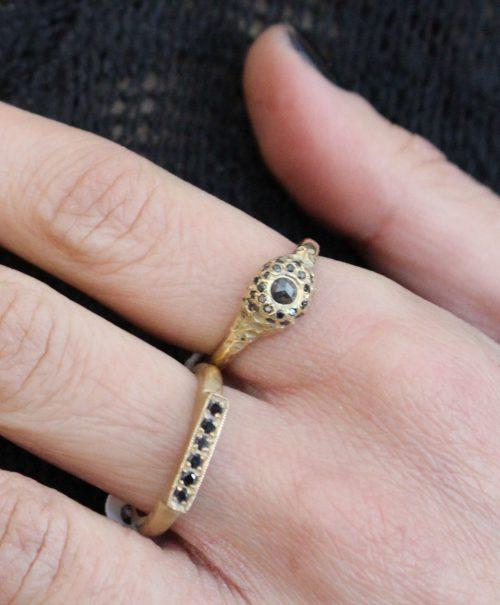 טבעת זהב 14K עם יהלומים שחורים 2